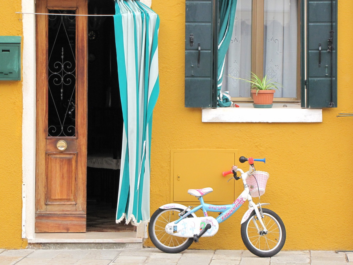 The easy pace of Burano!
