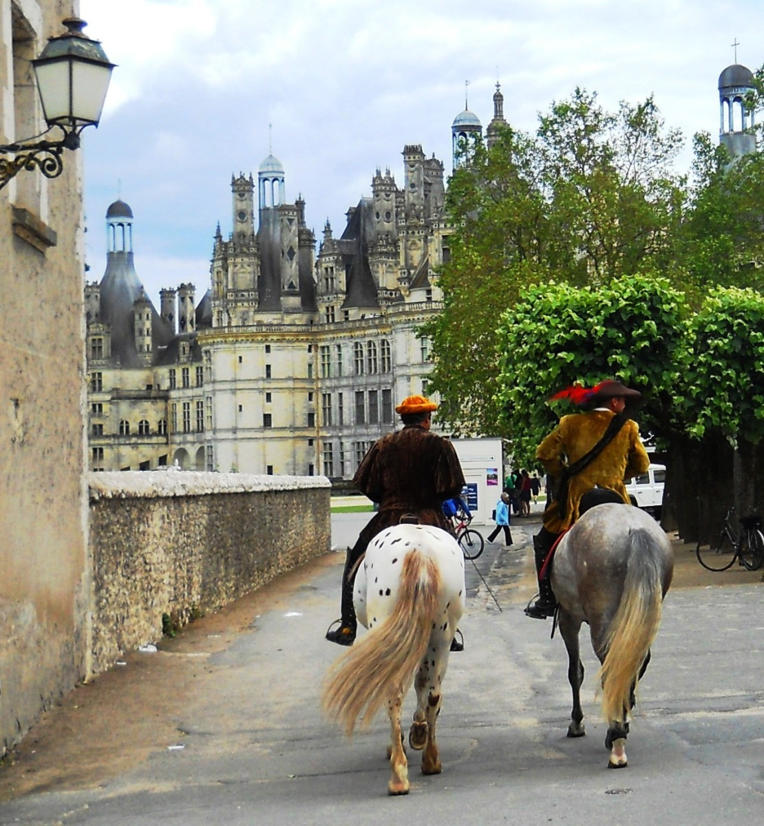 After touring the castle, we bought gelato and watched the costumed actors on horses.