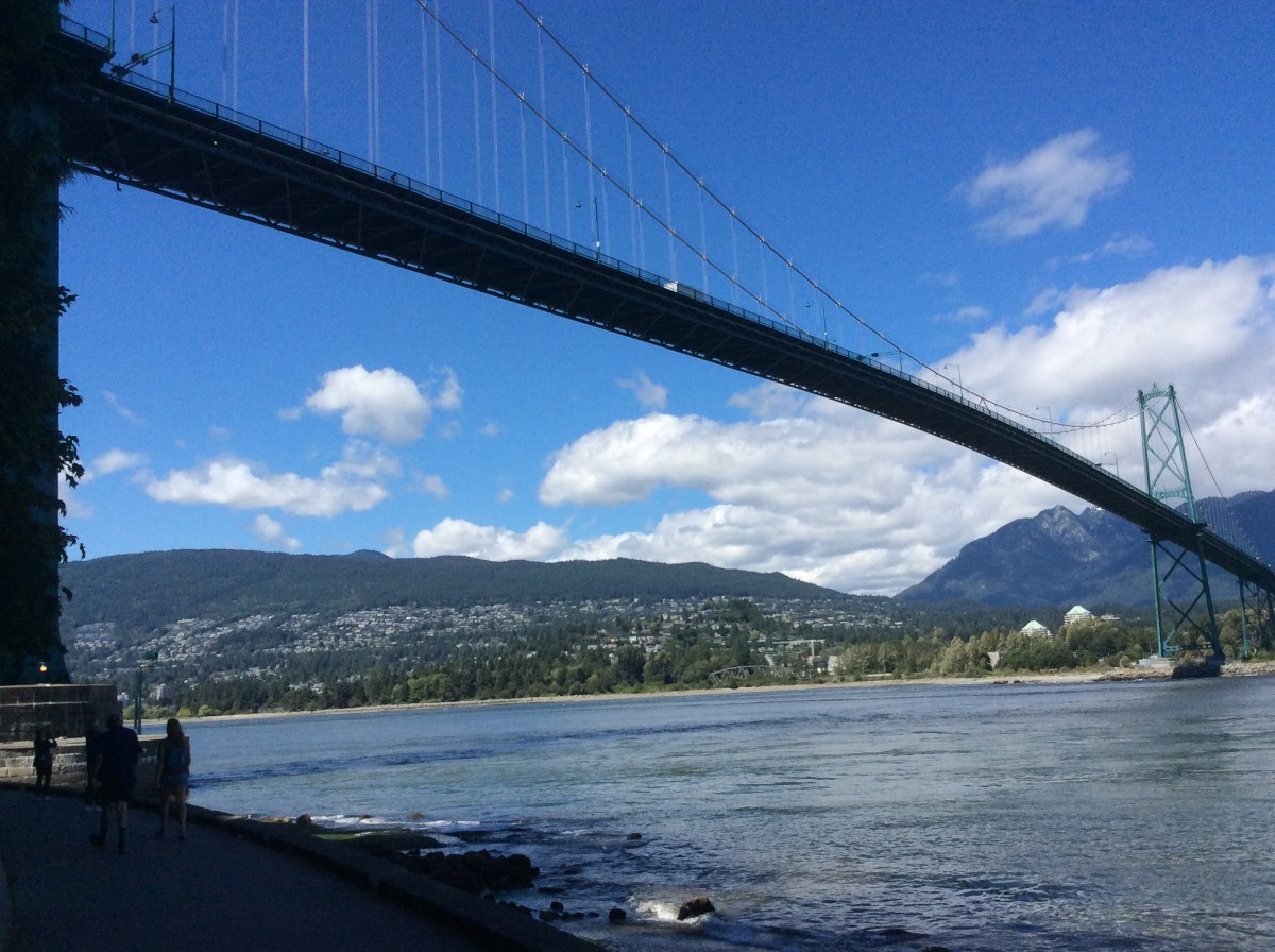 The bridge and the north shore mountains