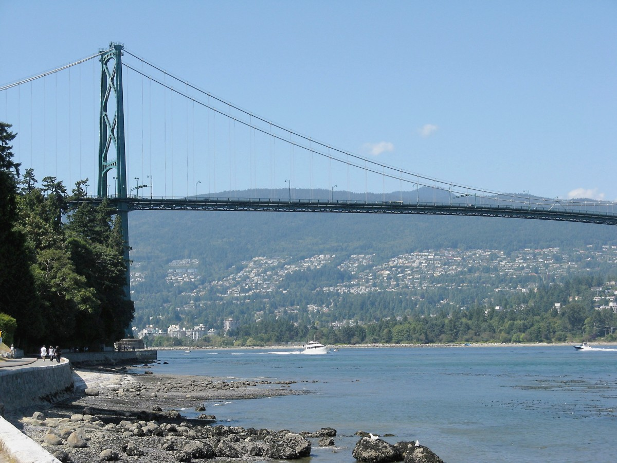 A closer view of Lions Gate Bridge