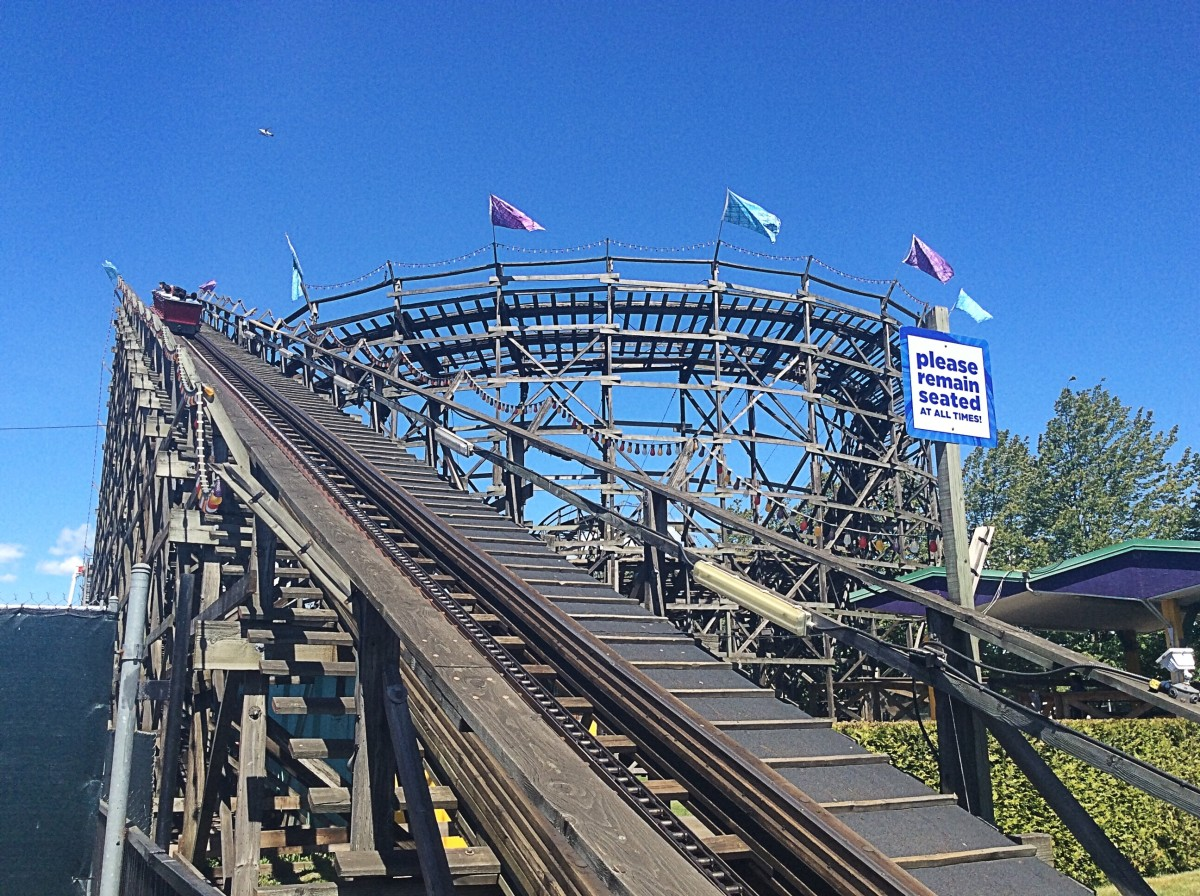 The wooden roller coaster