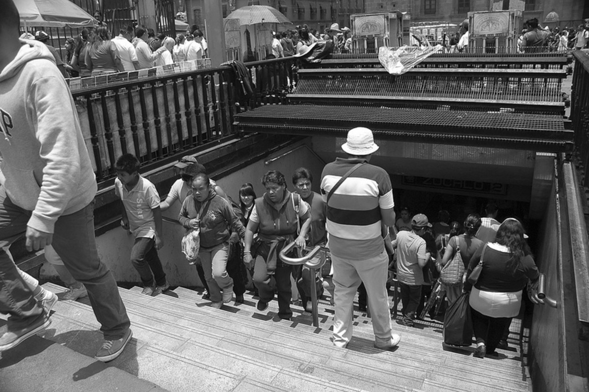 People Going Into Station Zocalo
