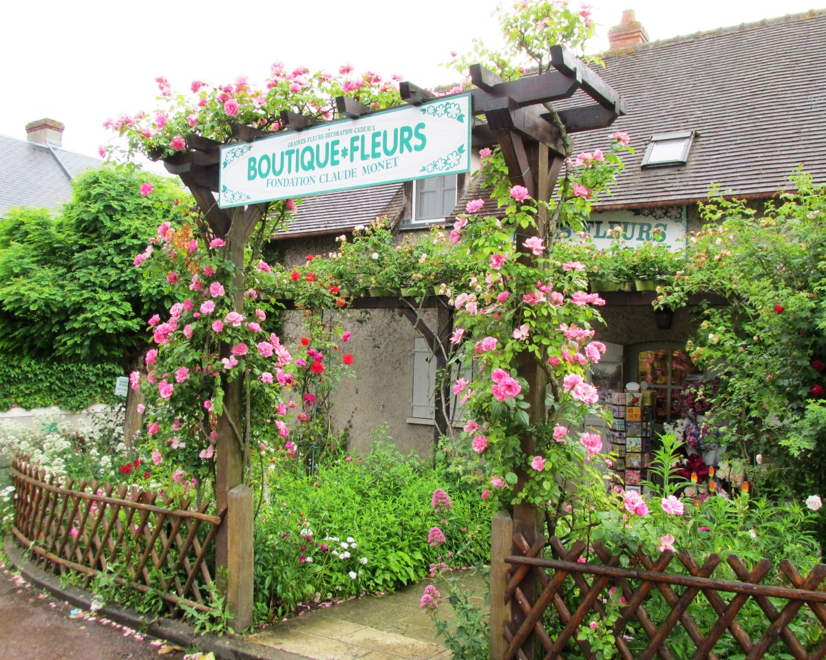 We enjoyed ice cream purchased from a stand right outside this flower show.  So picturesque!