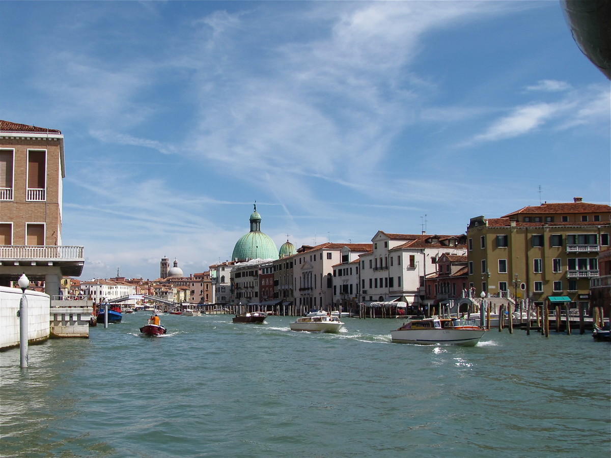 Traffic on the Grand Canal.