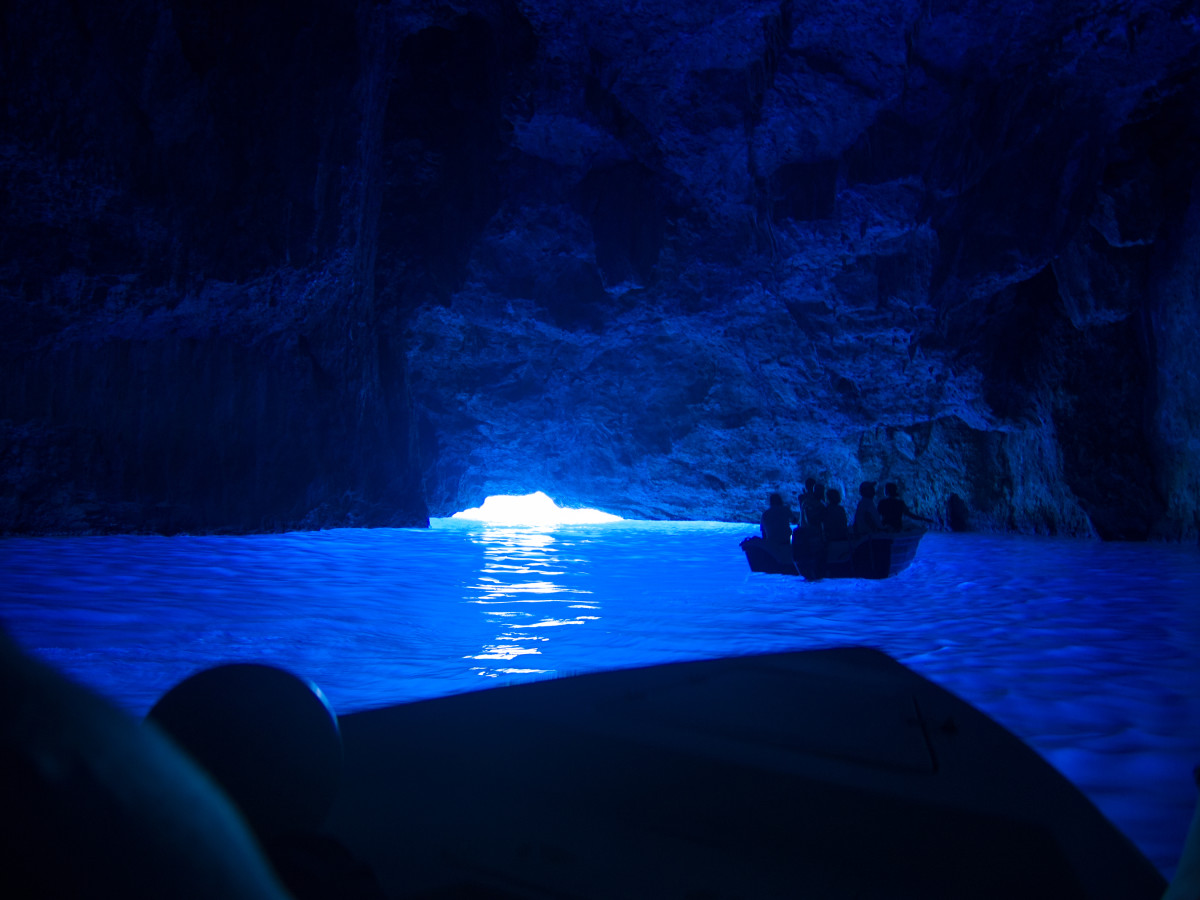 10-most-amazing-caves-in-the-world