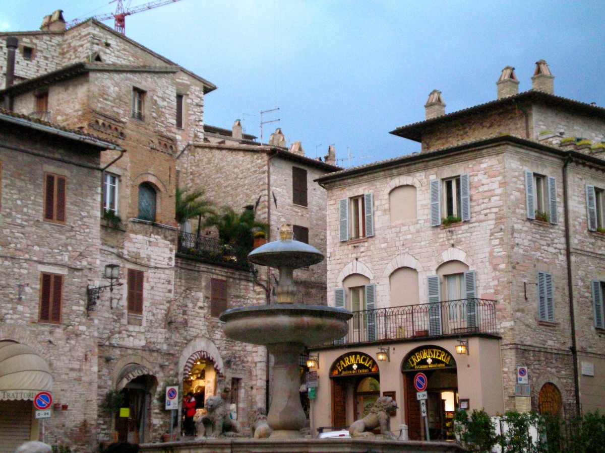 A cafe in Assisi (c) A. Harrison