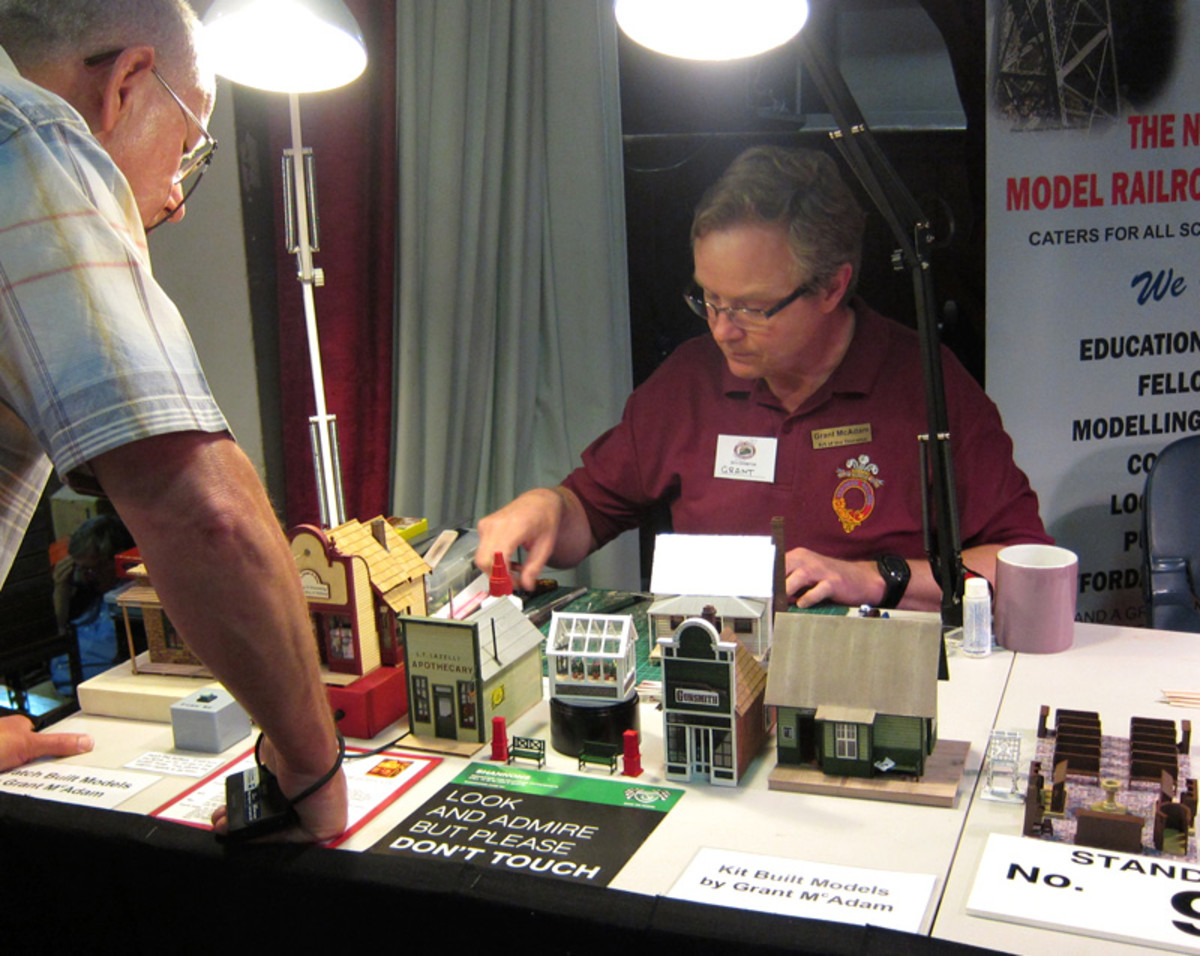 Grant demonstrates some model building at Outback Models.
