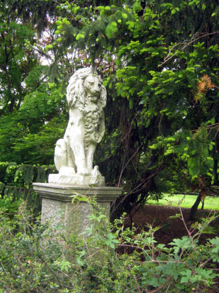 Cylburn Lion Statue