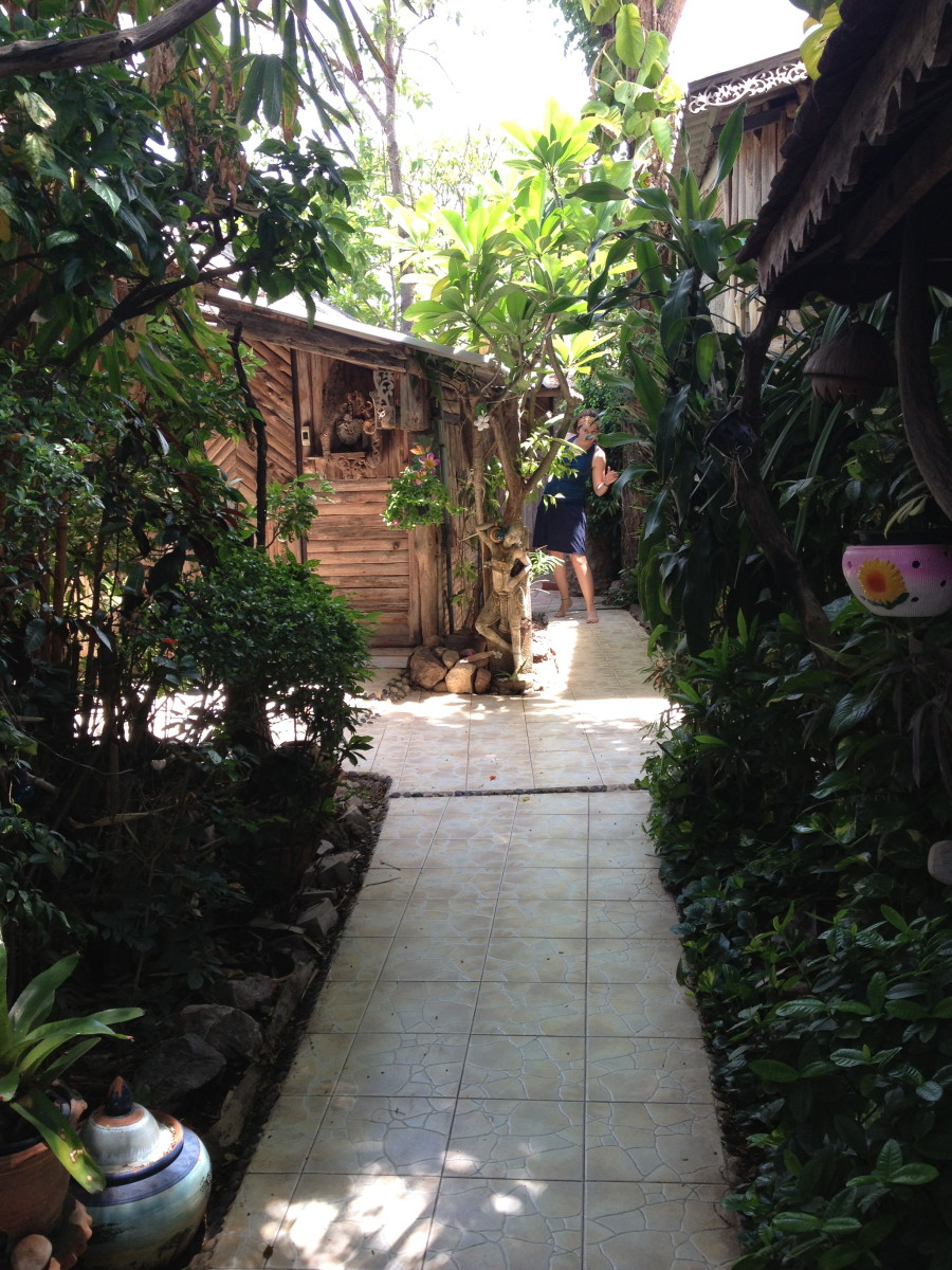 Three J Guesthouse in Khamphaeng Phet. A hut away from home in one of Thailand's many beautiful small cities.
