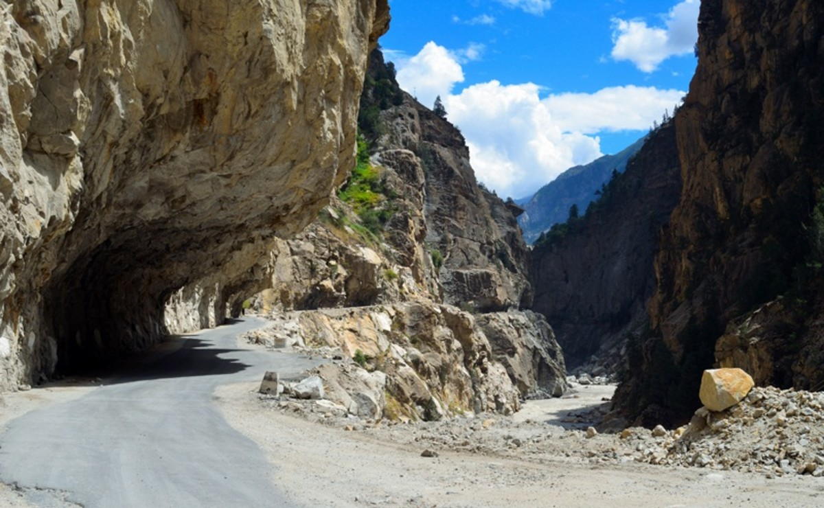 The section of NH 22 connecting the Sairag with Jangram region in the Sutlej Valley