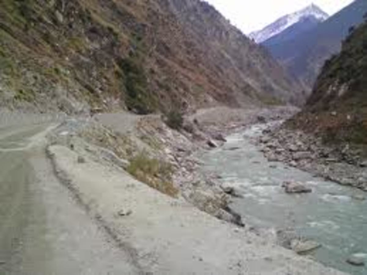 NH 22 before Karchham along the Satluj river