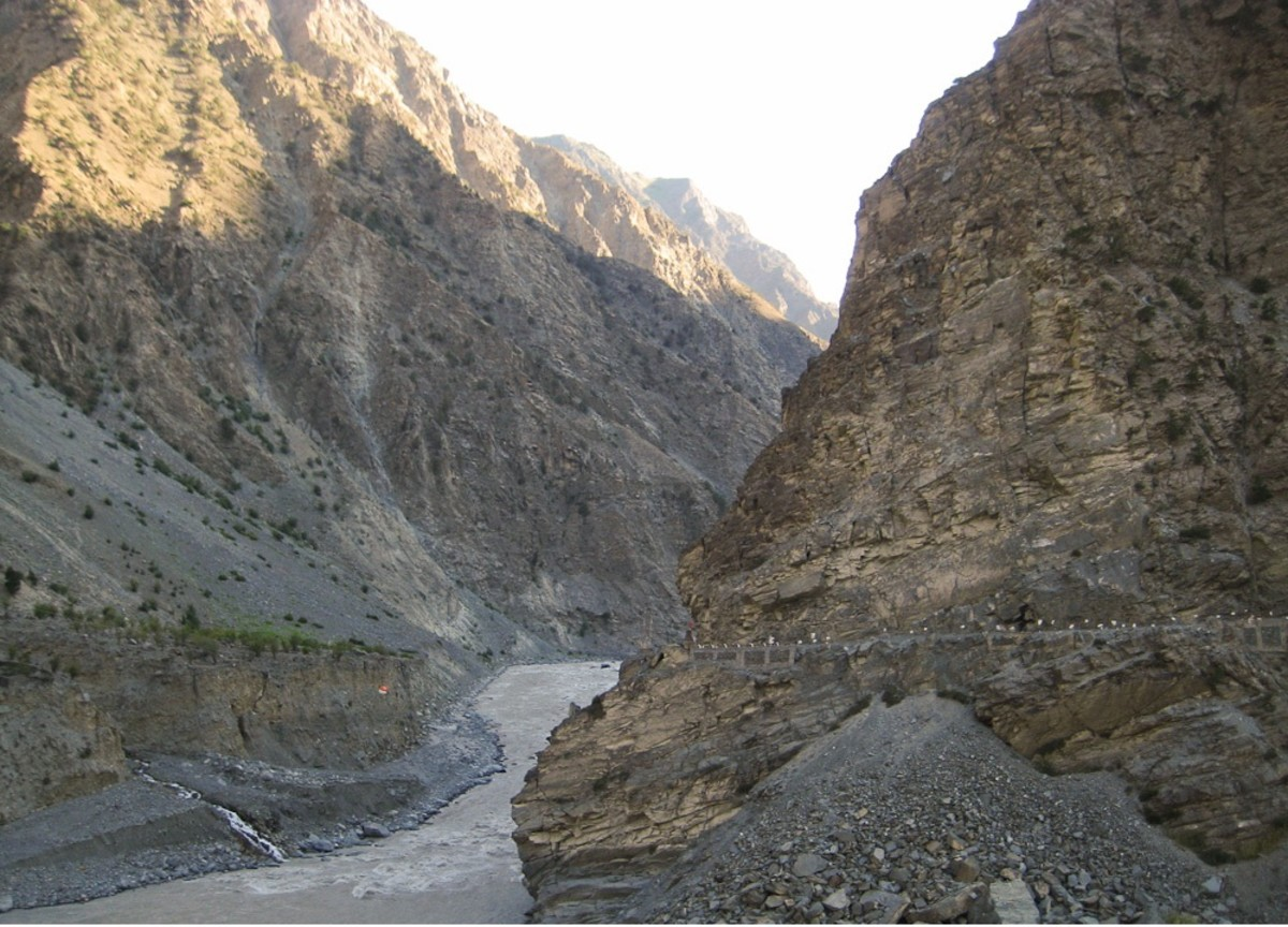 Ascent to Puh from NH 22