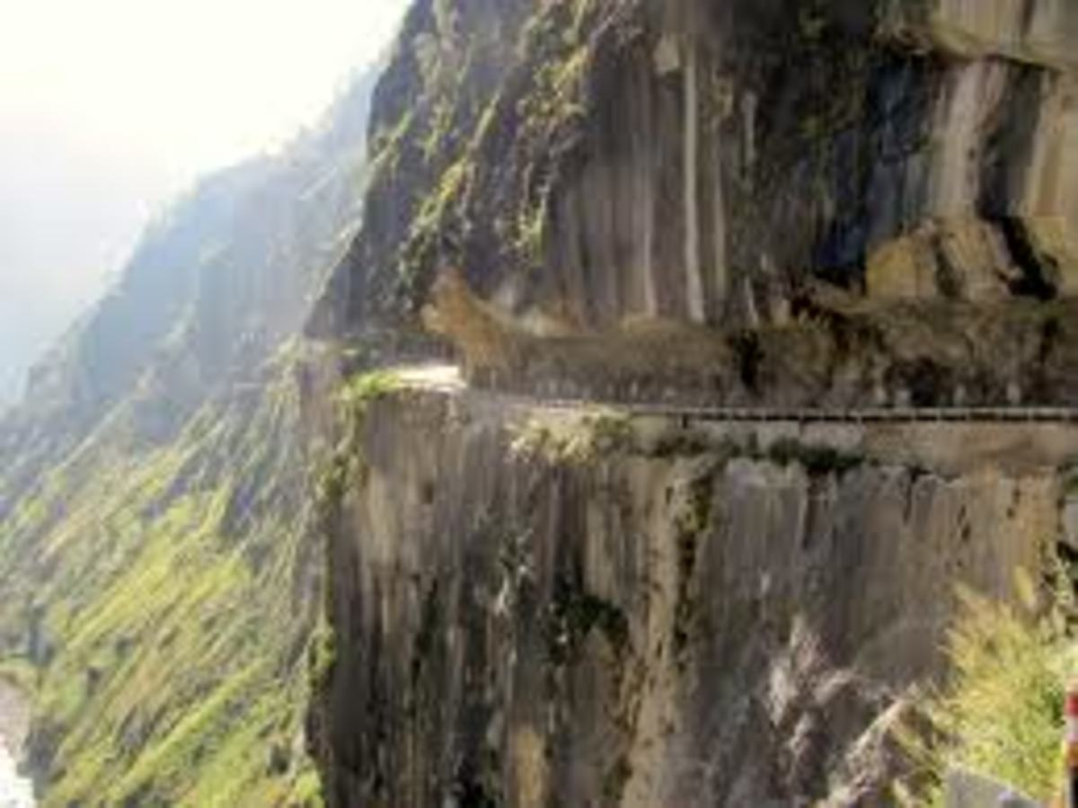 NH-22 at the Sutlej gorge before Wangtu