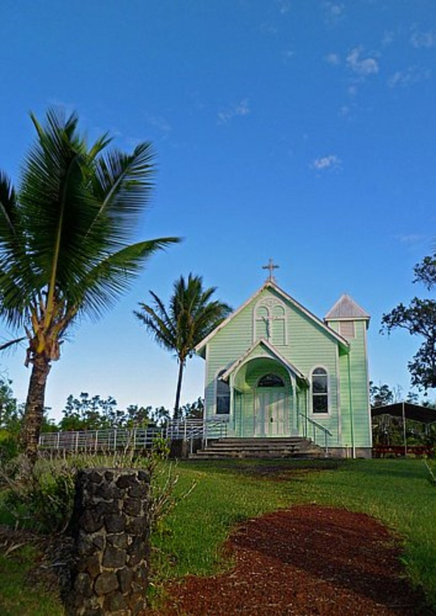 Star of the Sea Church at its current location near the end of Hwy 130 in Kalapana.