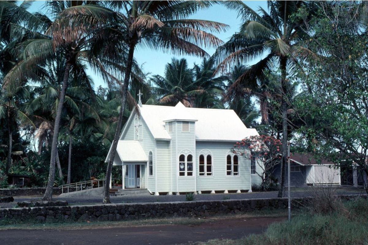 Star of the Sea Church at its original location on the shoreline of the former Kaimu Bay.