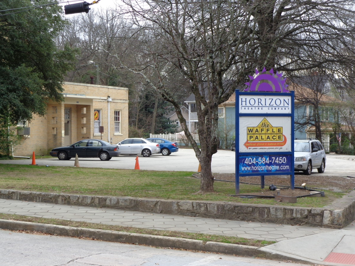 Horizon Theatre's main sign, on the corner of Austin Ave and Euclid.  (View of sign here is from across Austin Ave; Euclid is out of frame to the right.)  Photo by author.