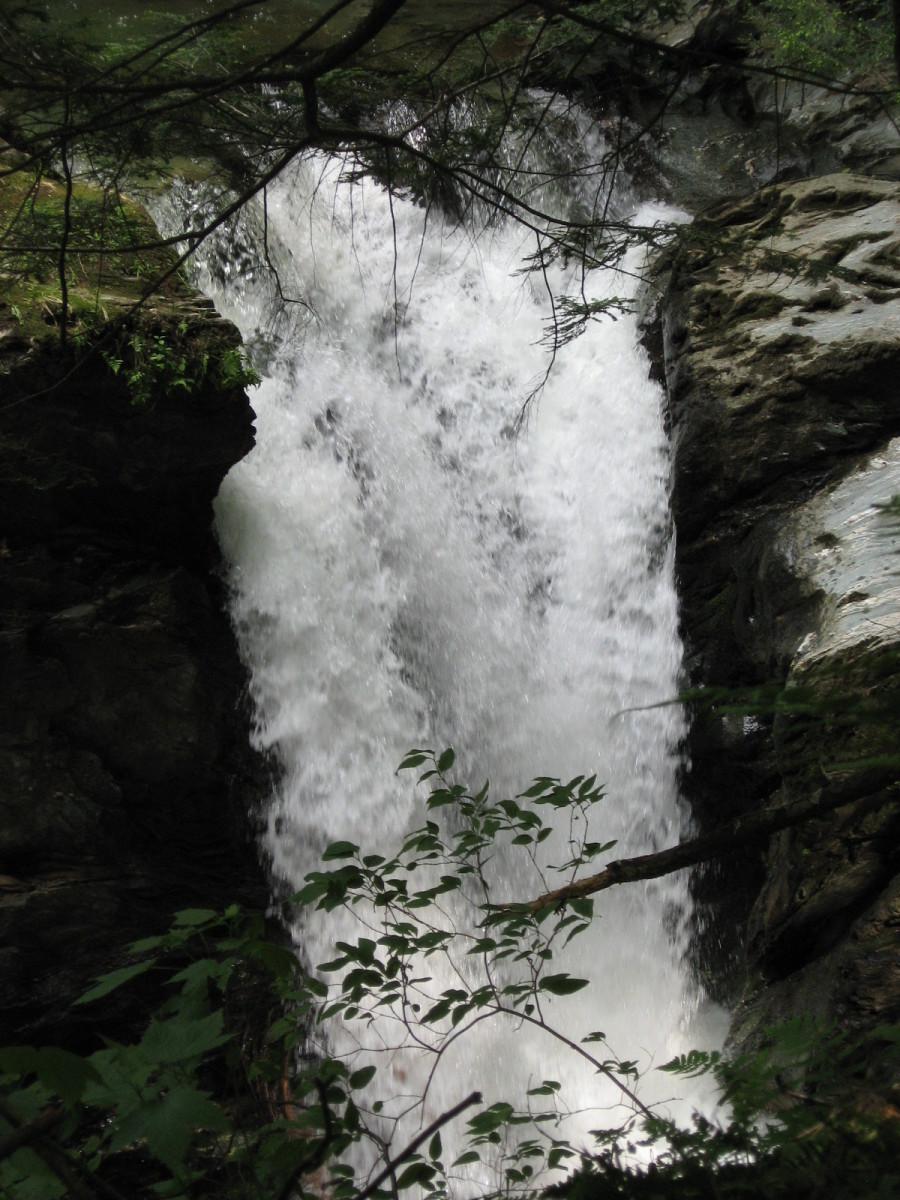 Bristol Memorial Park Falls