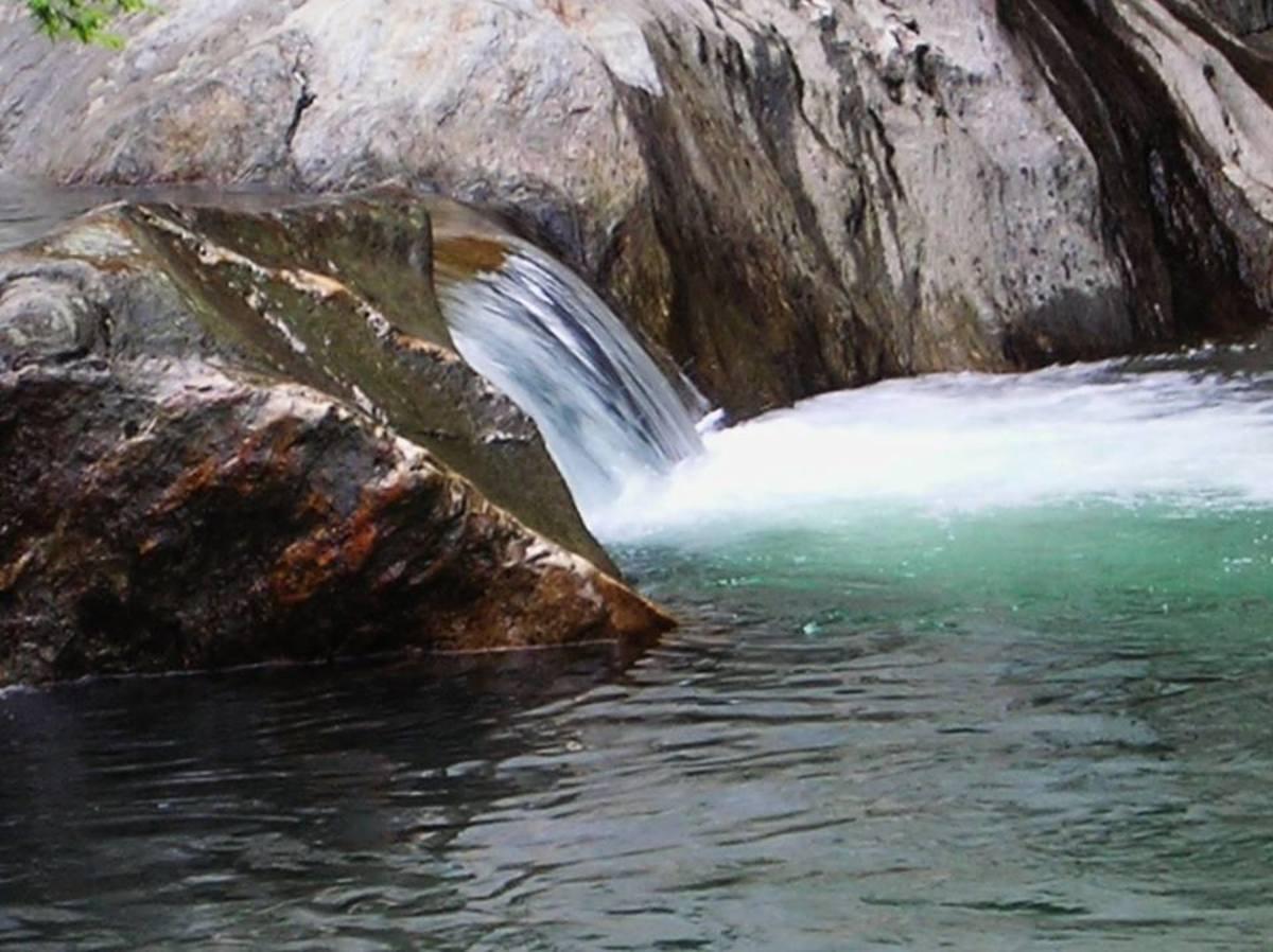 6-best-waterfalls-in-vermont