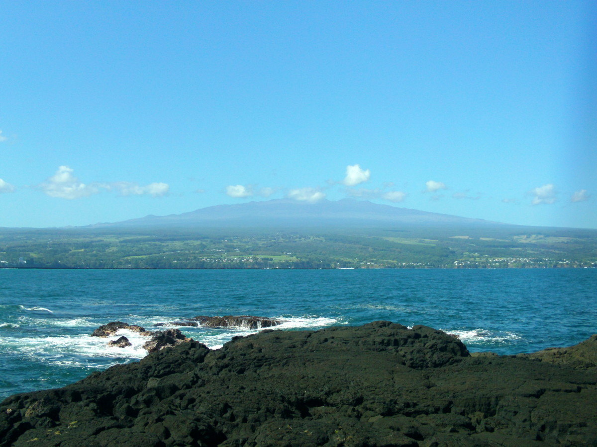 Hilo Bay, Hawai'i with Mauna Kea in the background.