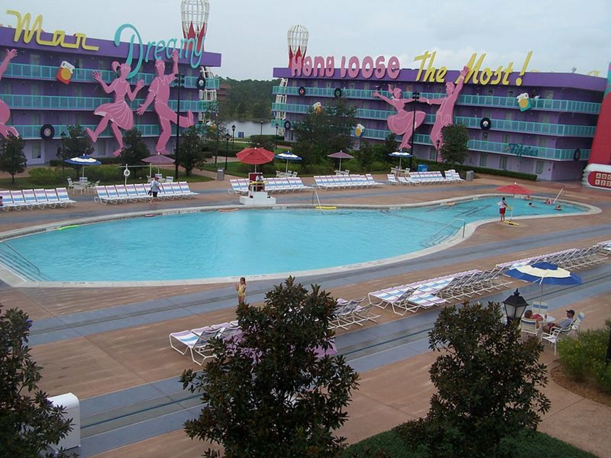 The 1950's pool at Pop Century.   Shaped like a bowling pin.