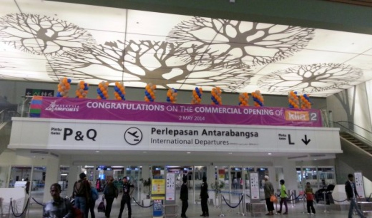 Entrance area to the international departure sections at KLIA2