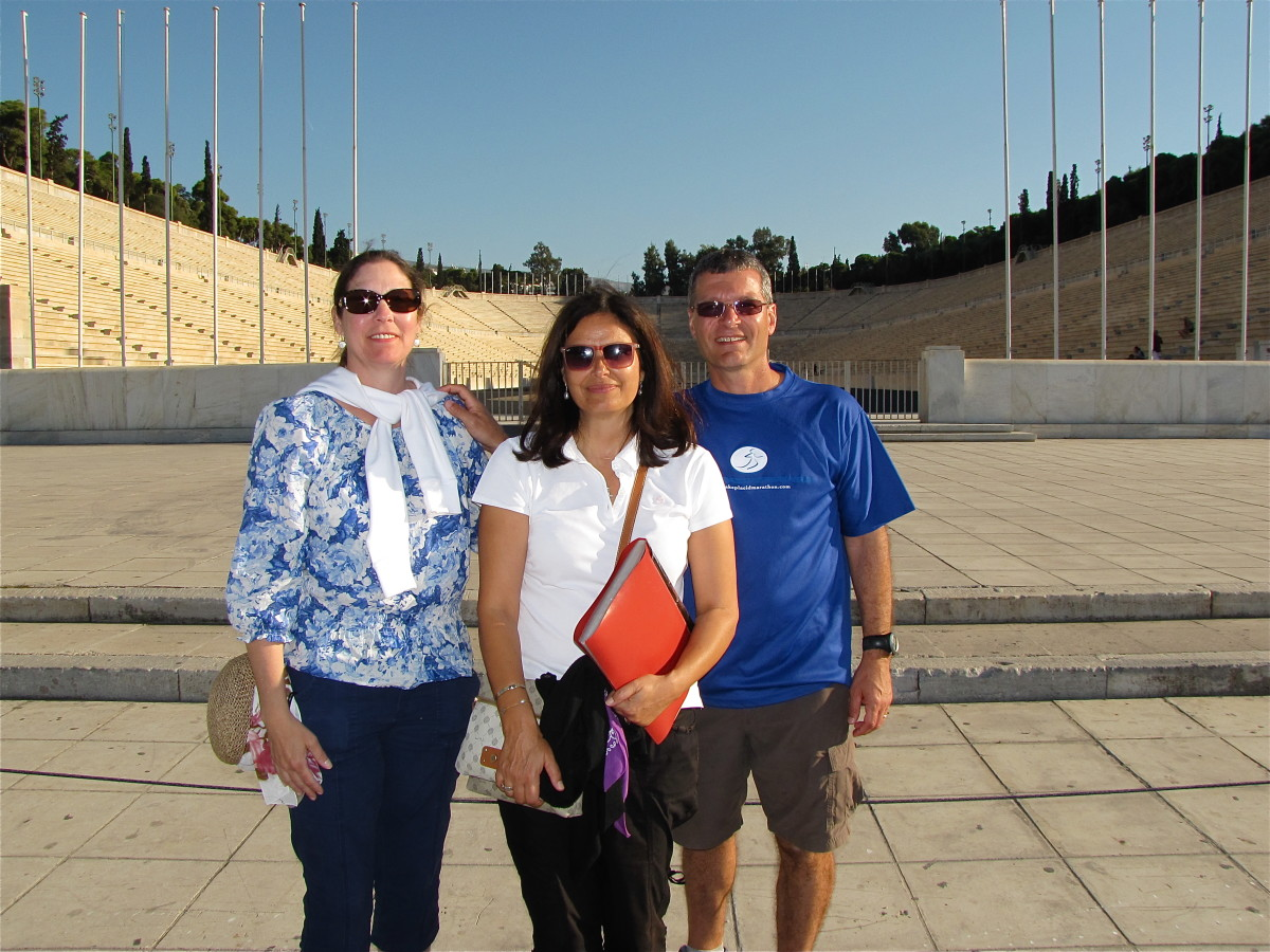 Our wonderful guide Vicky Miniotis, center