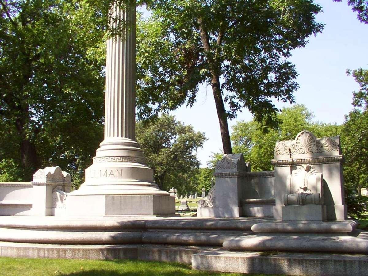 Pullman tomb