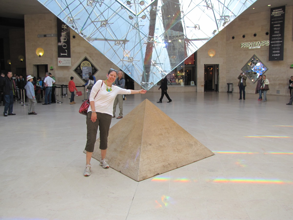Beneath the Pyramid at the Carrousel Entrance.