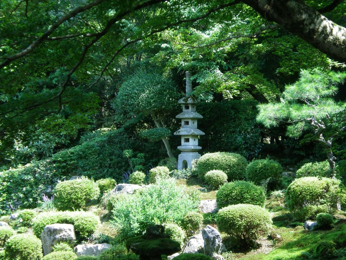 A statue in a temple garden (c) A.Harrison