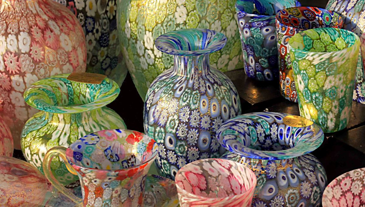 Countless vases, bottles and bowls, ornaments, paperweights and mirrors in Murano's shops, attest to the enormous importance of the glass industry to the island