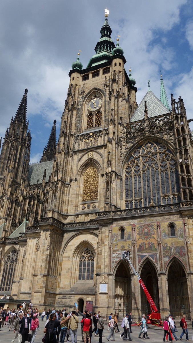 Front entrance of St Vitus Cathedral