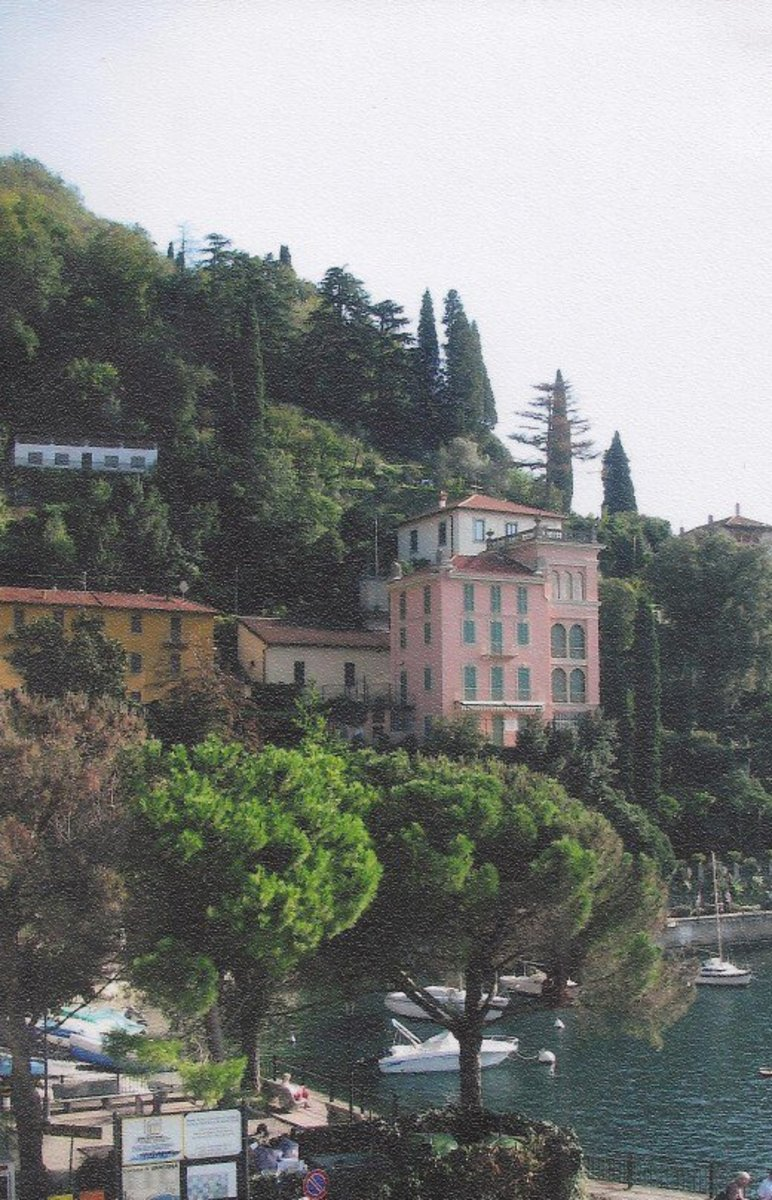 Our first glimpse of Varenna