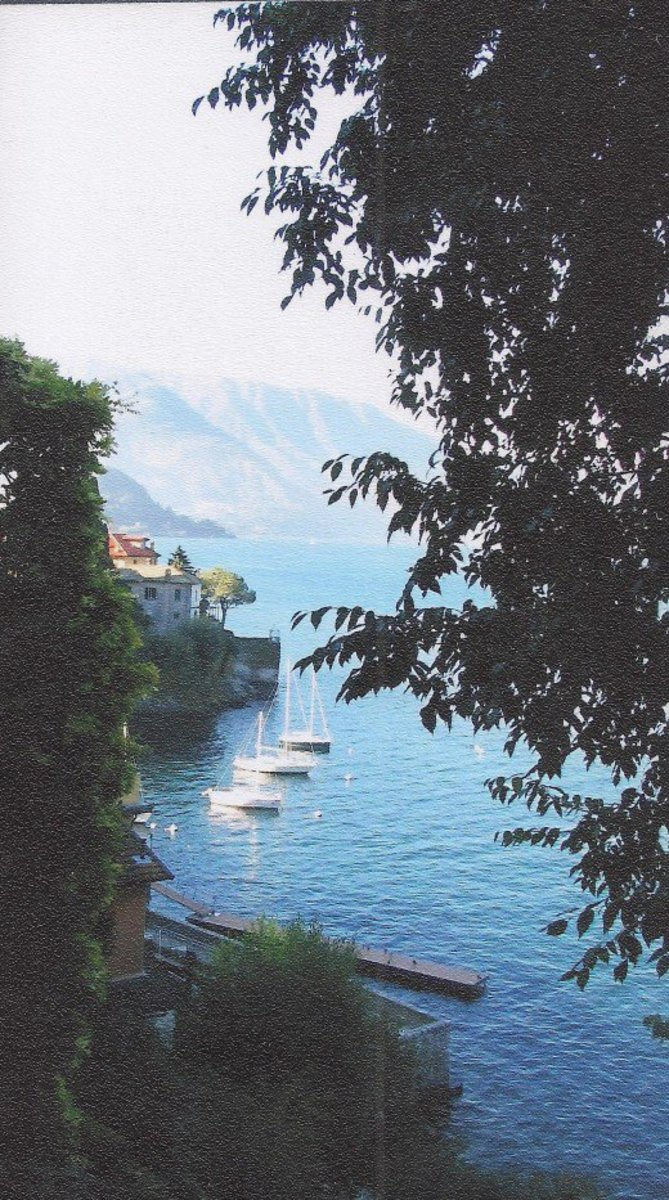 the harbor of Varenna