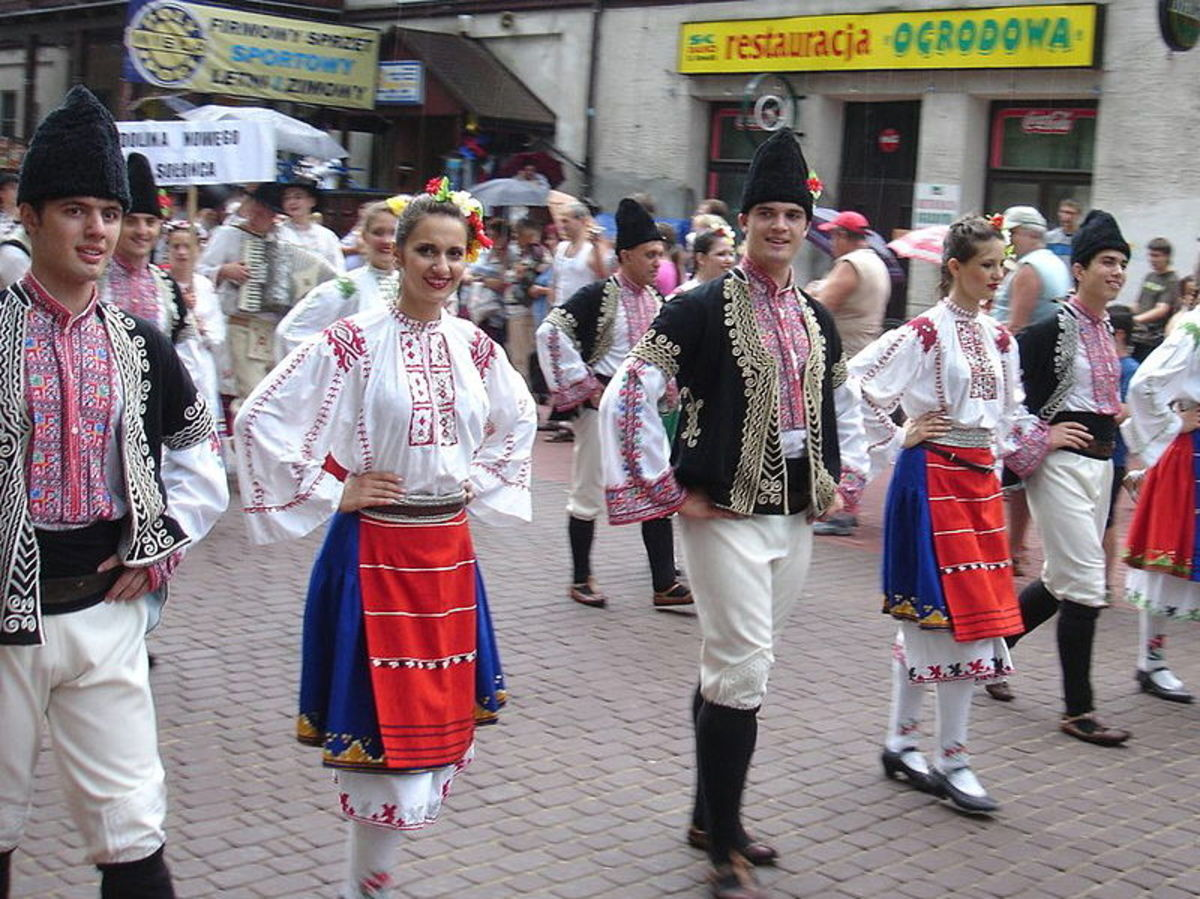 Bulgarian folk costumes
