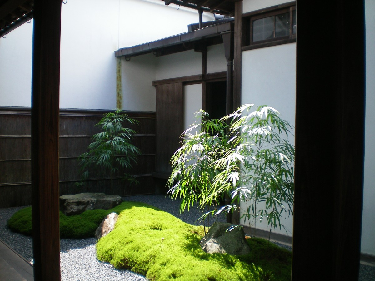 A hidden courtyard (c) A. Harrison