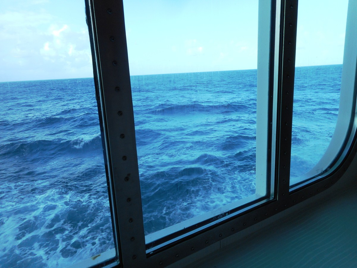 A view of the deep blue sea from our dining-room table.