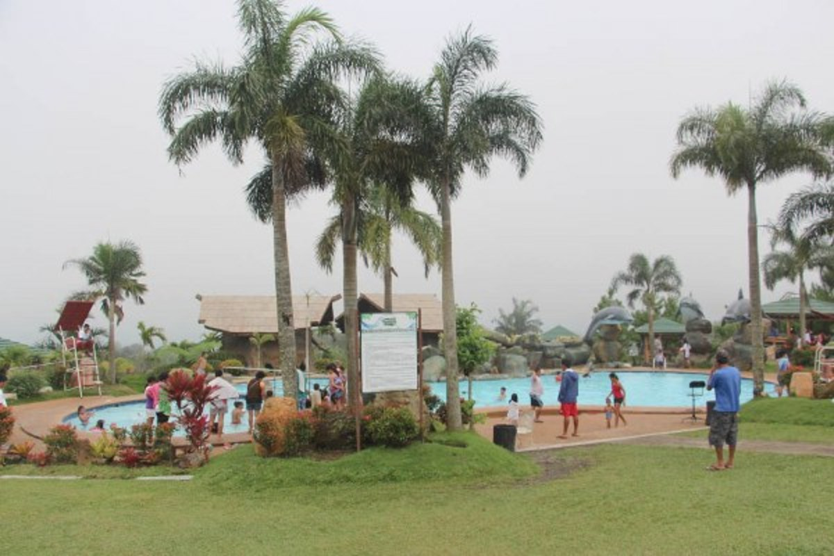 The first pool area of Campuestohan