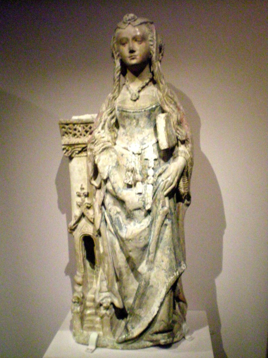 The statues in the museum are exquisite (c) A. Harrison