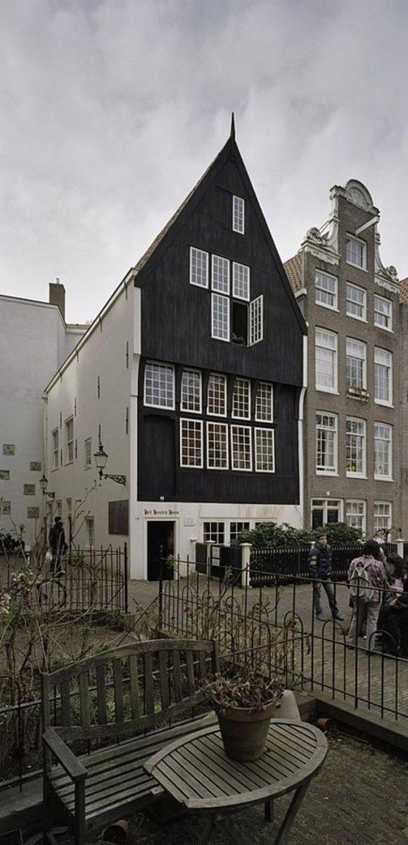 THe wooden house (het Houten Huys) Begijnhof, Amsterdam.