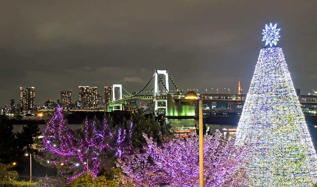 Odaiba Beachside, with Rainbow Bridge in the background.