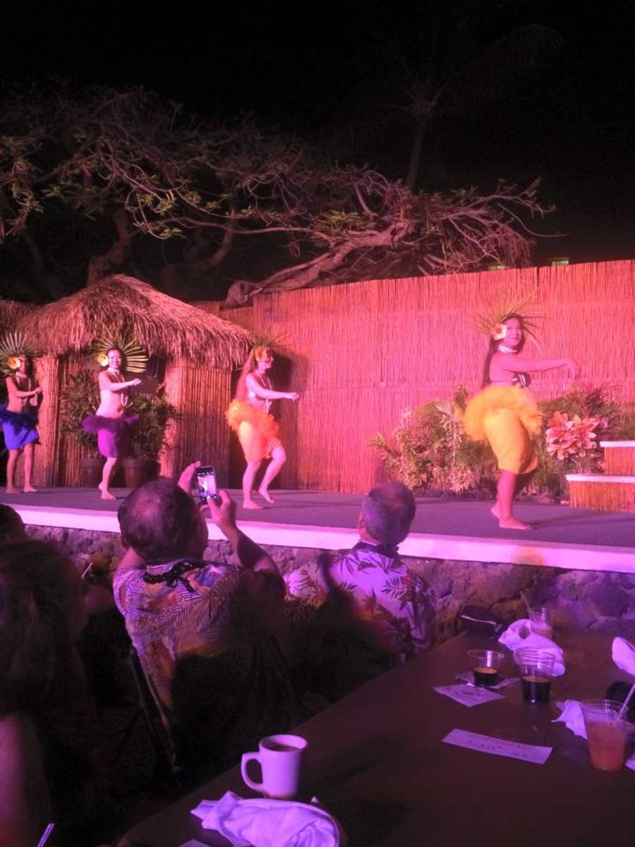 Hula Dancers at the Lahaina Luau for my birthday dinner!