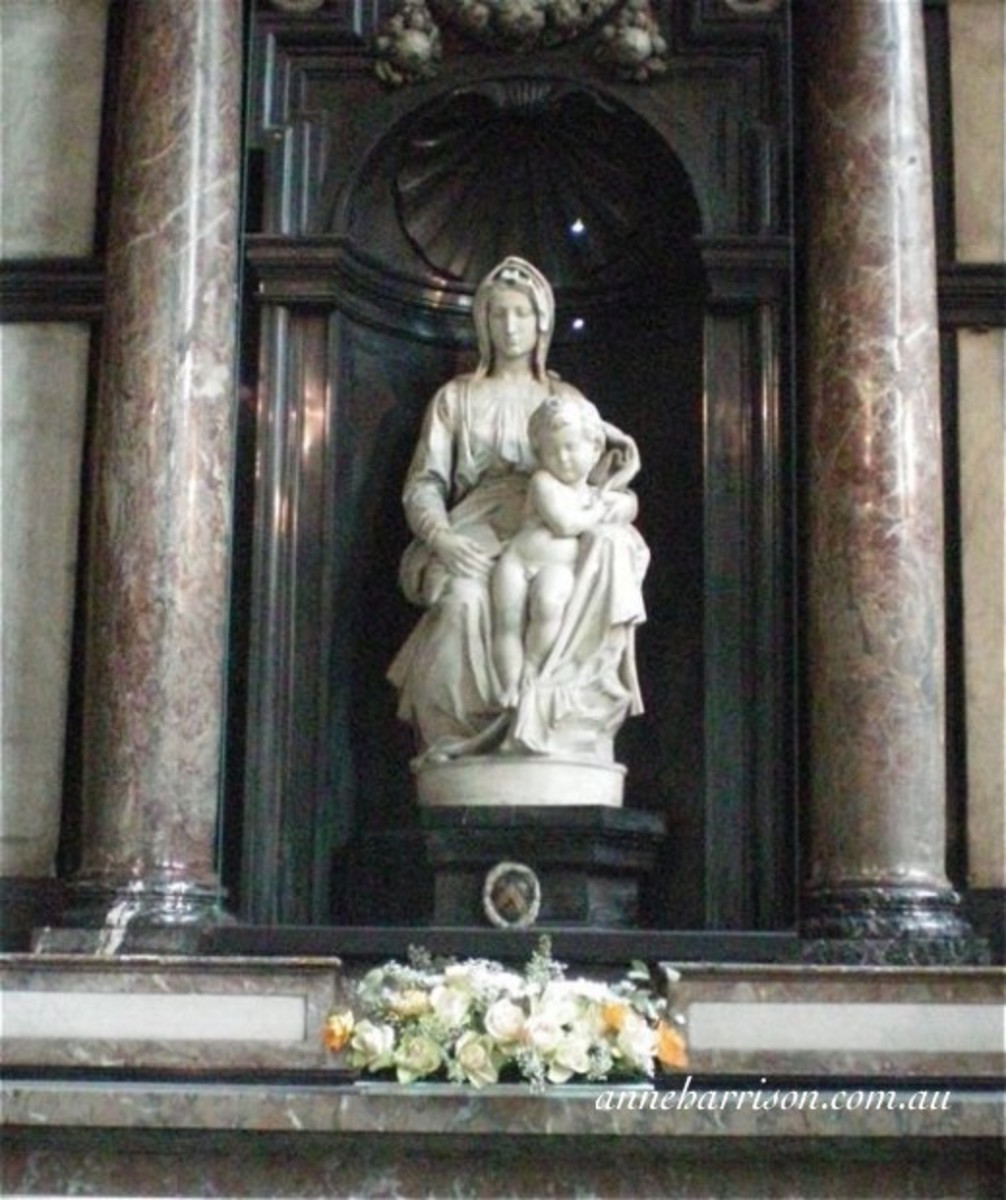 Michelangelo's Madonna and Child