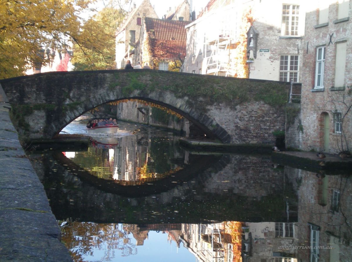 The peaceful canals of Bruges