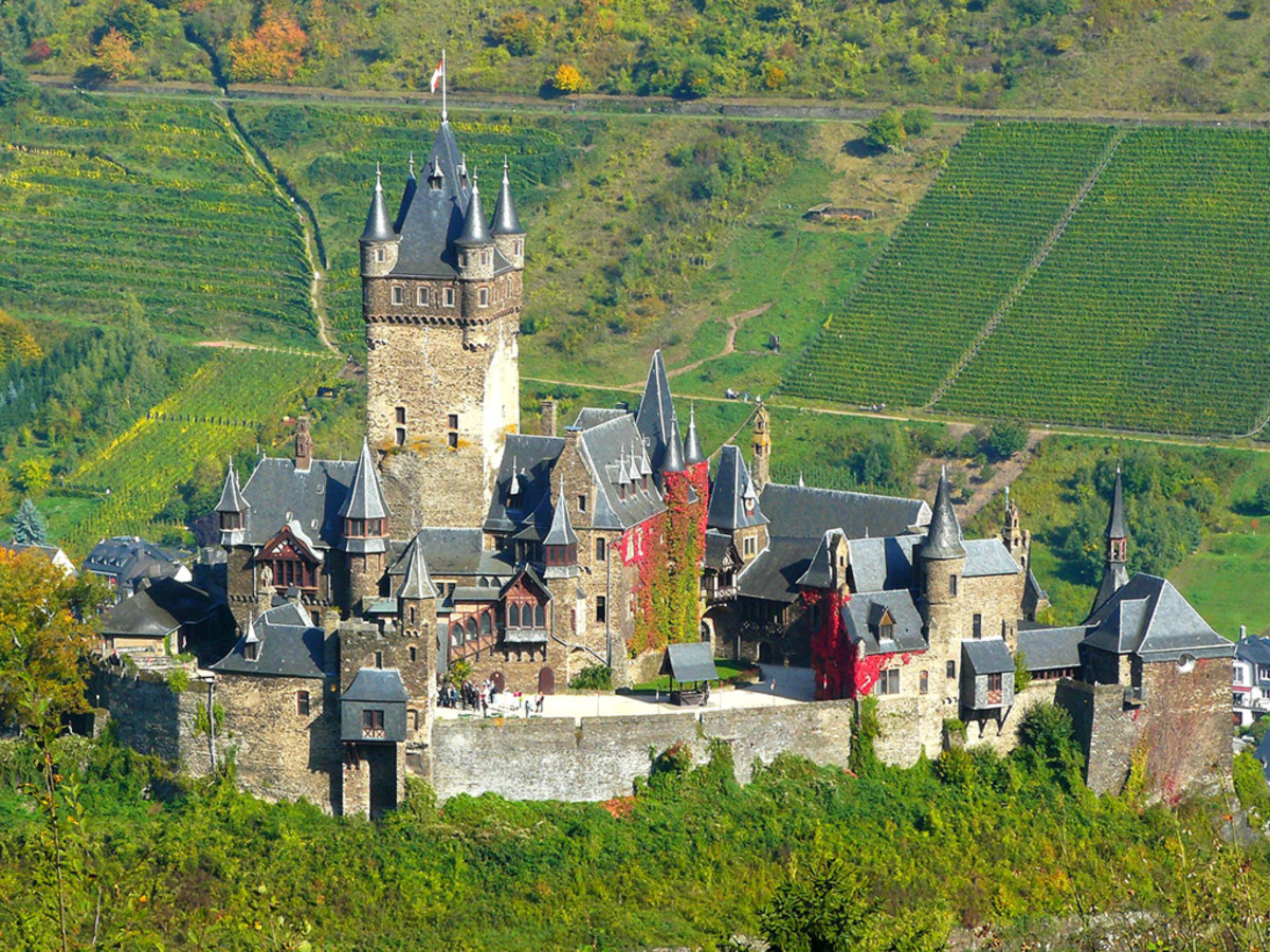 Cochem Castle was built by Palatinate Count Ezzo around AD 1000.