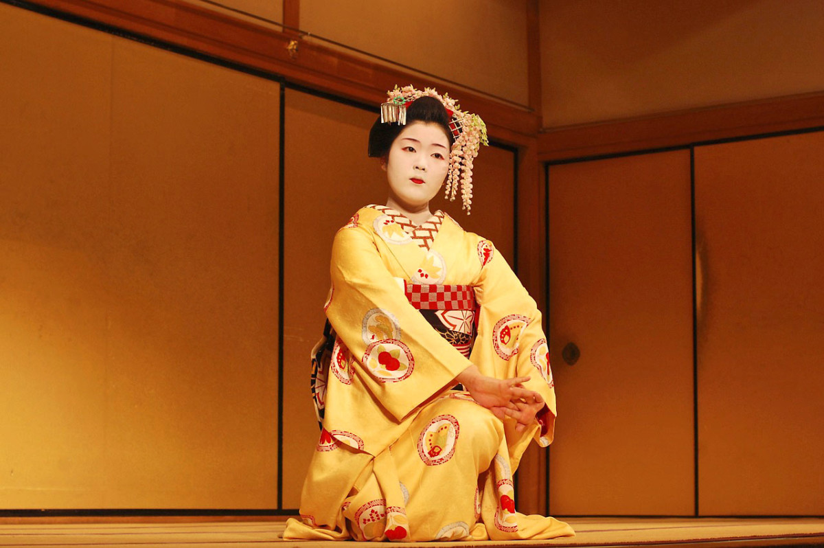 A Maiko dance performance in Kyoto.