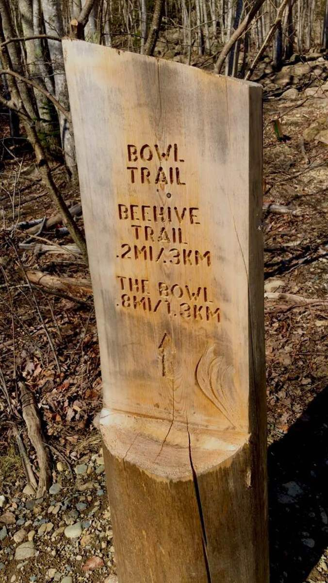 Bowl Trail - Beehive Trail Entrance Sign