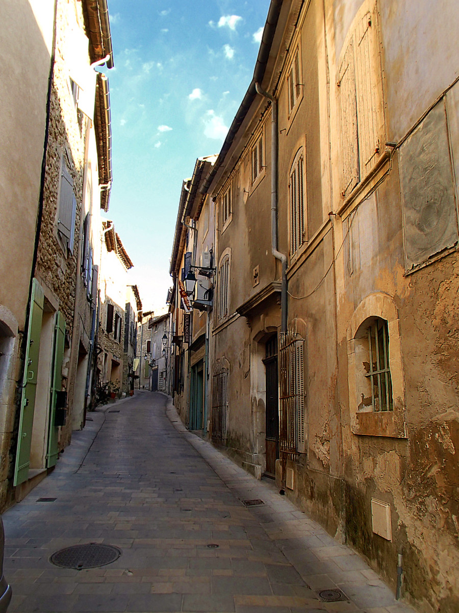 Old village street in Oppede-le-Vieux.