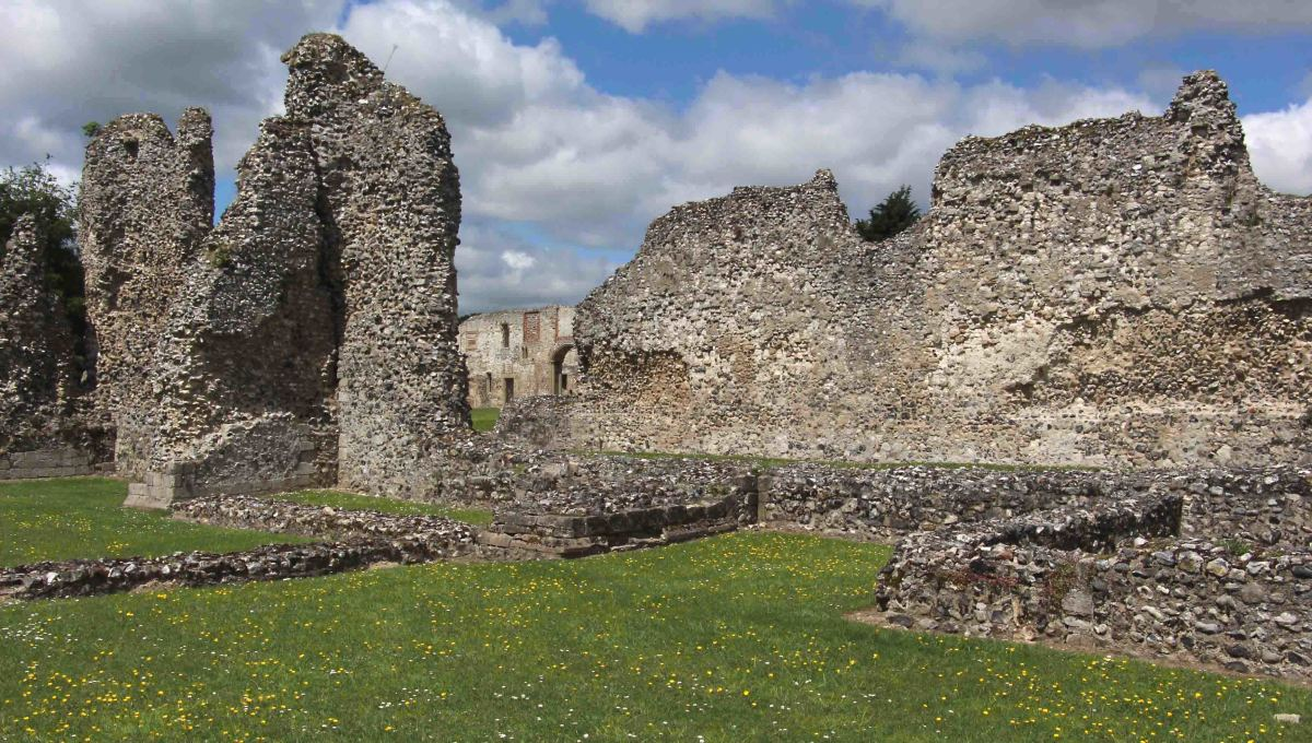 Thetford Priory - at first glance just a pile of rubble, but at second glance, history - and the work of craftsmen who lived many centuries ago