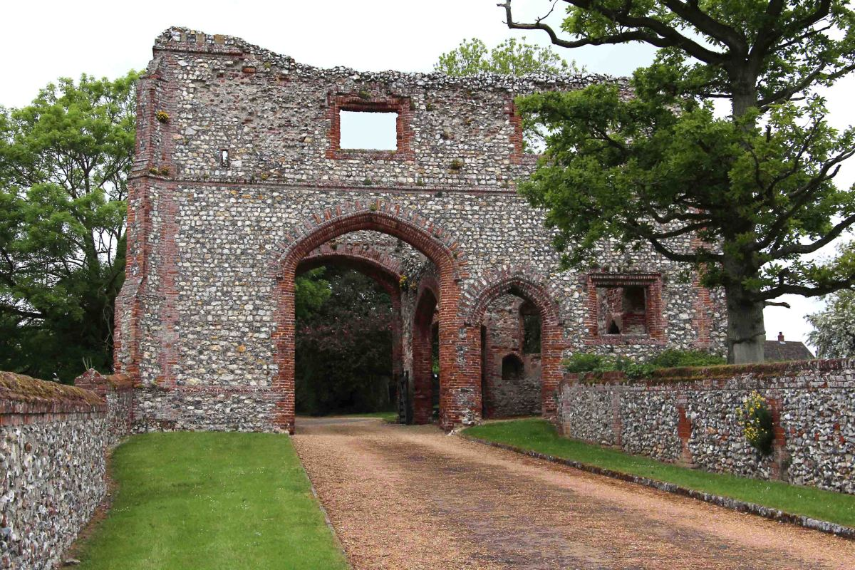 The well preserved gatehouse