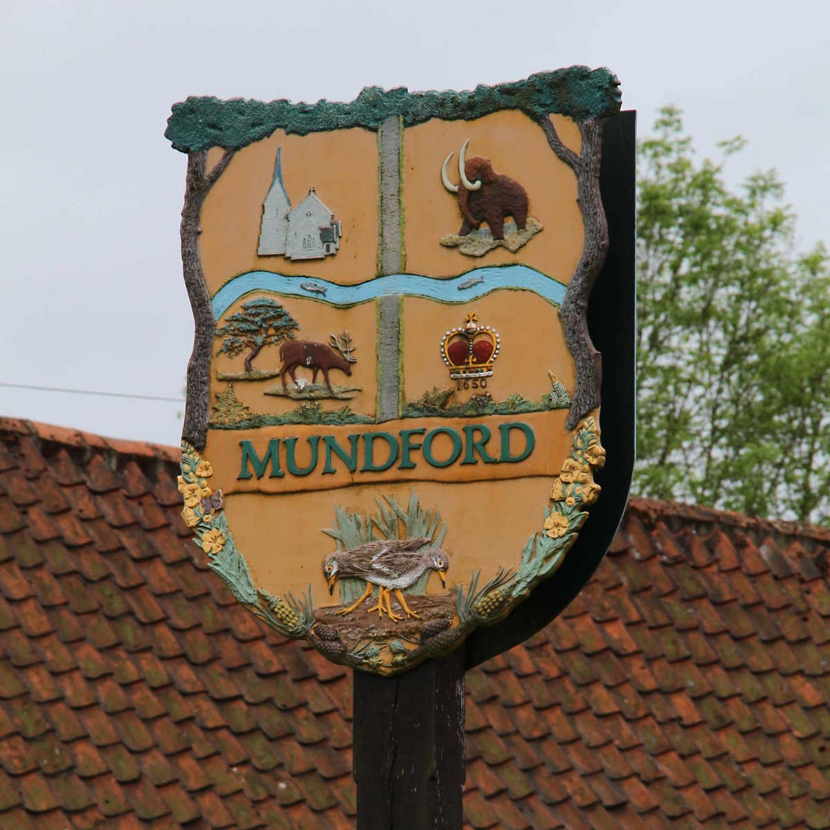 Local villages are proud of their heritage. This is the crest of 1000 year old Mundford, my overnight resting place